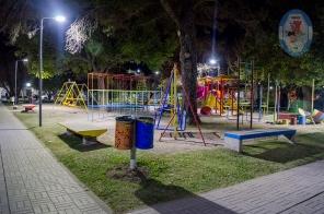 Sector de juegos sobre calle Rivadavia